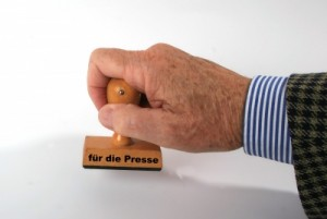 """ein Stempel mit der Aufschrift """"für die Presse"""""""